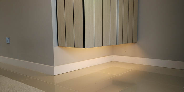 DecoWood Skirting